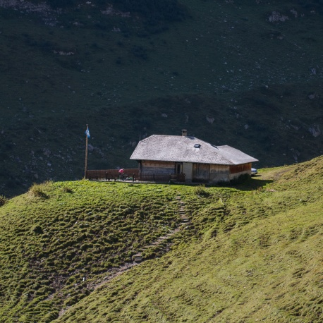 Overnight Ueschinen Hut