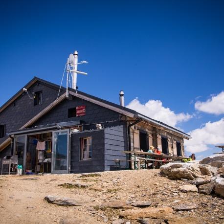 Lötschenpasshütte in summer