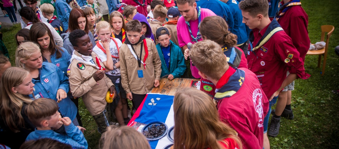 Scouts sharing cultural food