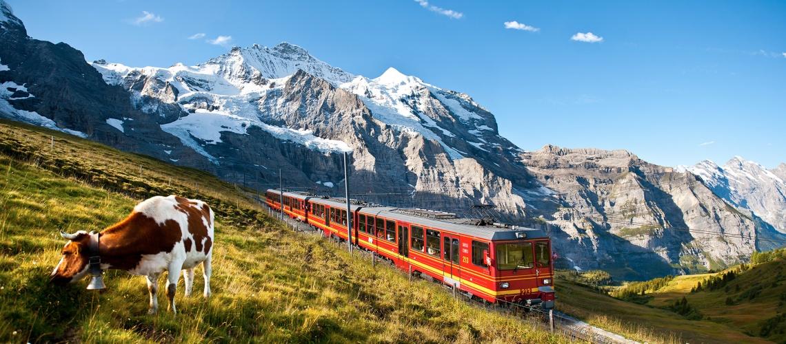 سفر به سونیس قطار کوه یخ کاخ یخی Jungfraujoch